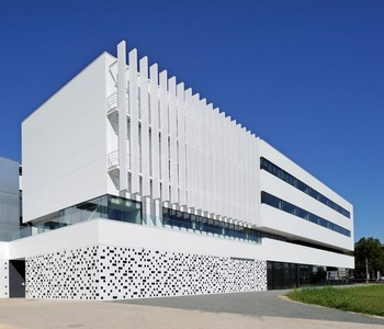 fasády z keramických obkladů