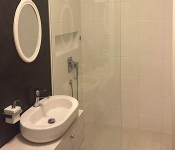 koupelna v bytovém domě - realizace