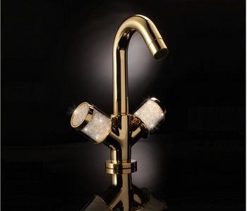 zlaté vodovodní baterie